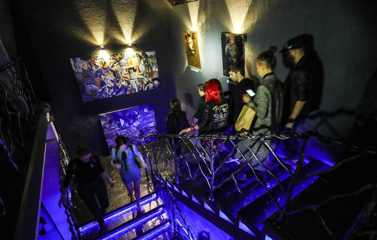 Ночной клуб регистрация свингерские клубы в москве стрептиз